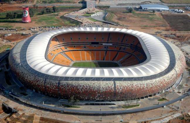 FNB Stadium, também conhecido como Soccer City, recebeu a final da Copa do Mundo de 2010 (Foto: STF / AFP)