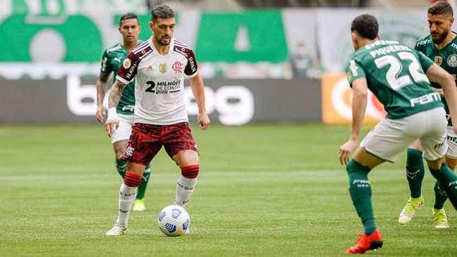 Arrascaeta desfalcará o Flamengo contra o Grêmio, na quarta-feira (Foto: Marcelo Cortes/Flamengo)