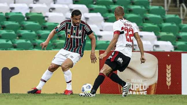 Miranda está fora da próxima partida (Foto: Lucas Merçon / Fluminense FC)