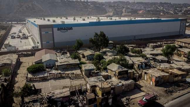 Imagens aéreas do armazém de última geração feitas pelo fotógrafo Omar Martinez viralizaram