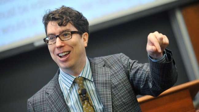 Poucos defenderiam o ambiente atual da mídia social, diz Jonathan Zittrain, cofundador do Berkman Klein Center for Internet & Society, da Universidade de Harvard