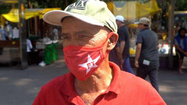 Trabalhador da construção civil Francisco Lino Neto disse que foi à Paulista 'pela democracia'