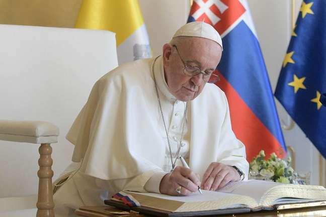 Papa Francisco no Palácio Presidencial da Eslováquia em Bratislava 13/09/2021 Vatican Media/Divulgação via REUTERS