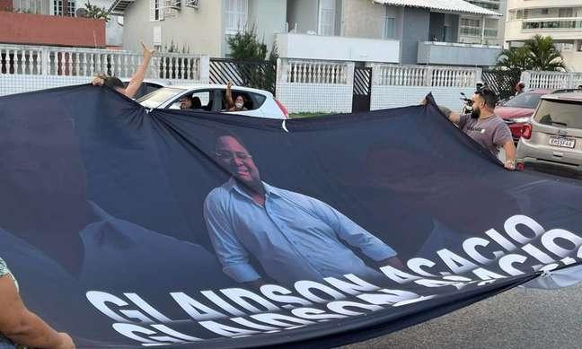 Manifestantes pedem por liberdade de Glaidson