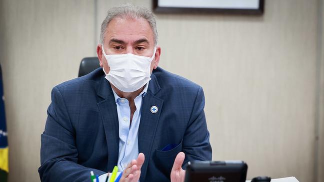 O ministro da Saúde, Marcelo Queiroga, criticou os Estados que não seguem o Programa Nacional de Imunizações