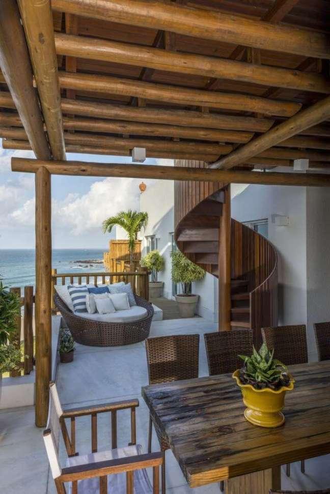 1. Varanda gourmet com chaise área externa – Foto Renato Teles Arquitetura