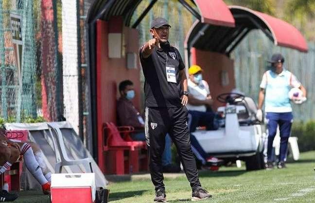 Menta falou sobre a fase do time sub-17 do São Paulo (Foto: Anderson Rodrigues/Saopaulofc.net)