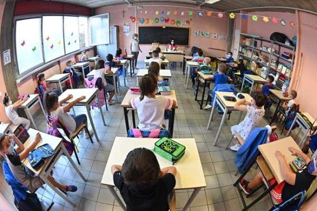 Sala de aula em Turim, norte da Itália