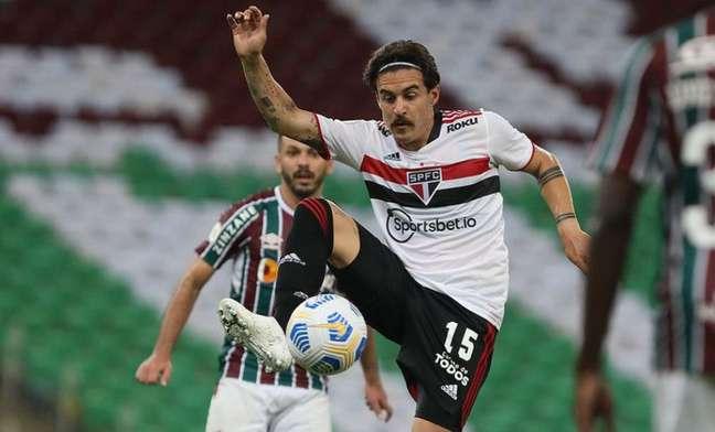 Gabriel teve atuação regular na sua estreia pelo São Paulo (Foto: Rubens Chiri/saopaulofc.net)
