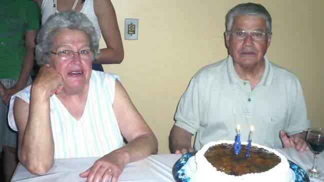 Beatriz ao lado do marido, Delmar: desaparecimento da idosa em outubro de 2012 é um mistério para a família