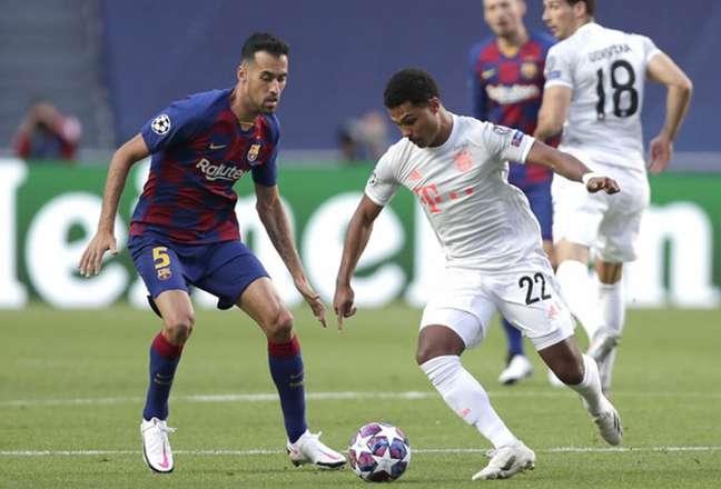 Barcelona e Bayern enfrentam-se pela Champions (Foto: MANU FERNANDEZ / POOL / AFP)