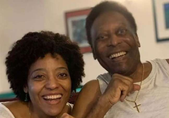 Kely Nascimento disse nesta segunda-feira que o seu pai se recupera bem em hospital