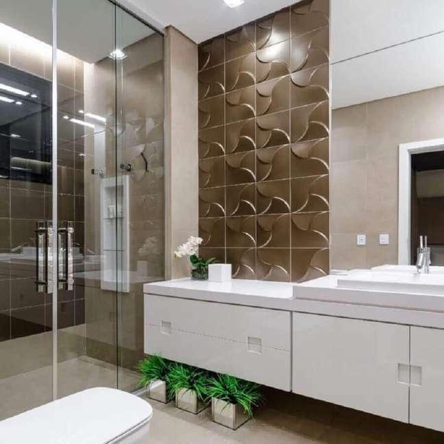 5. Decoração com revestimento 3D para banheiro bonito – Foto: Okha Arquitetura e Design