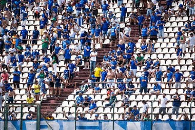 Jogar em Sete Lagoas, a 70 km de BH, trouxe bom resultado financeiro par ao time azul-(Bruno Haddad/Cruzeiro)