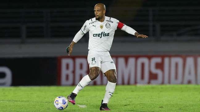 Felipe Melo ainda não renovou seu contrato com Palmeiras (Foto: Cesar Greco)