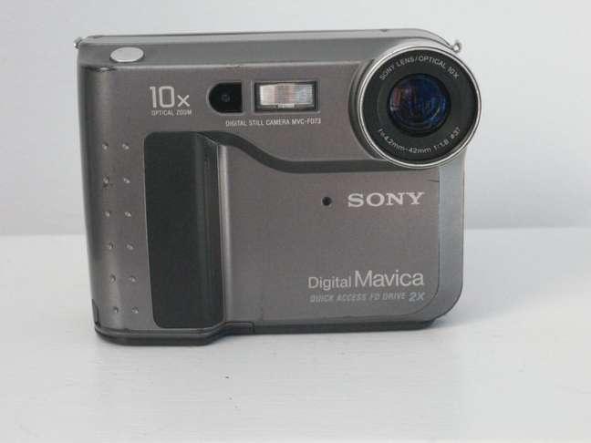 Sony Mavica FD73 suportava disquetes de 3,5 polegadas