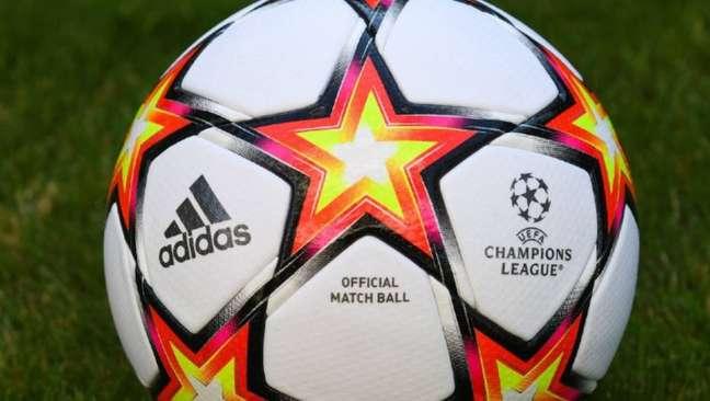A bola escolhida para rolar pelos gramados europeus nesta edição de Liga dos Campeões.