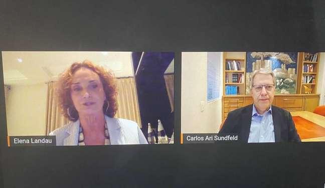 Elena Landau e Carlos Ari Sundfeld, em participação em debate do grupo Derrubando Muros