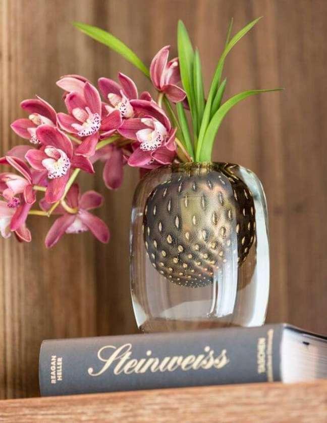 40. Vaso de flor para sala feito de murano – Foto Cristais Cadoro