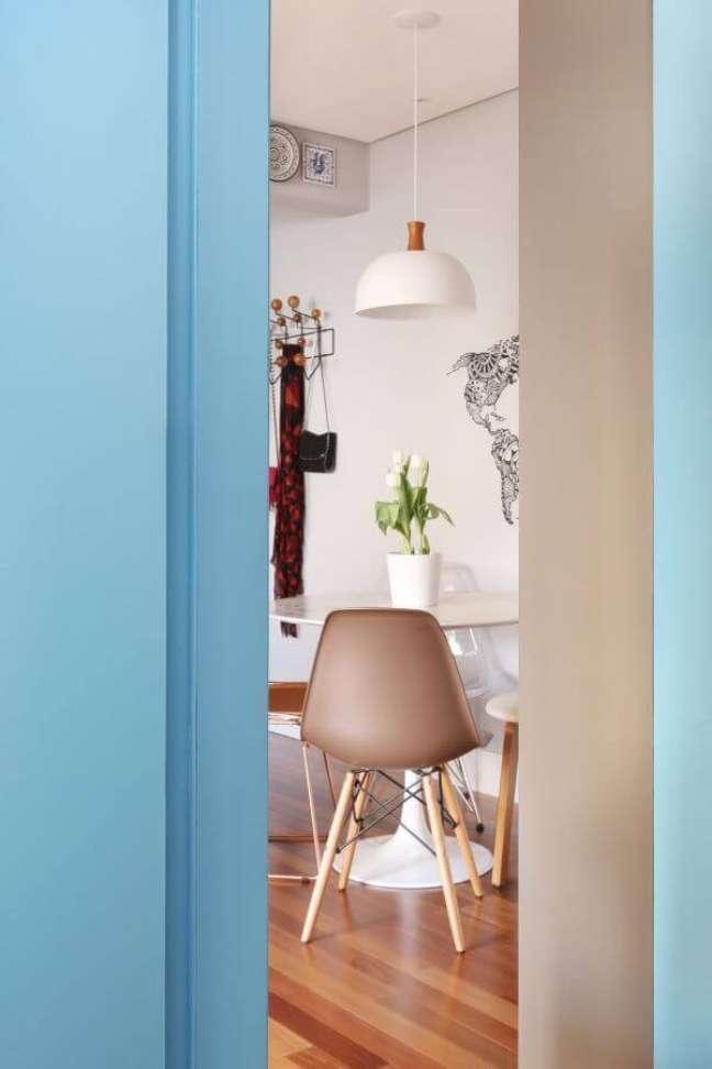 38. Vaso de flor para sala de jantar moderna – Foto Natalia Salla