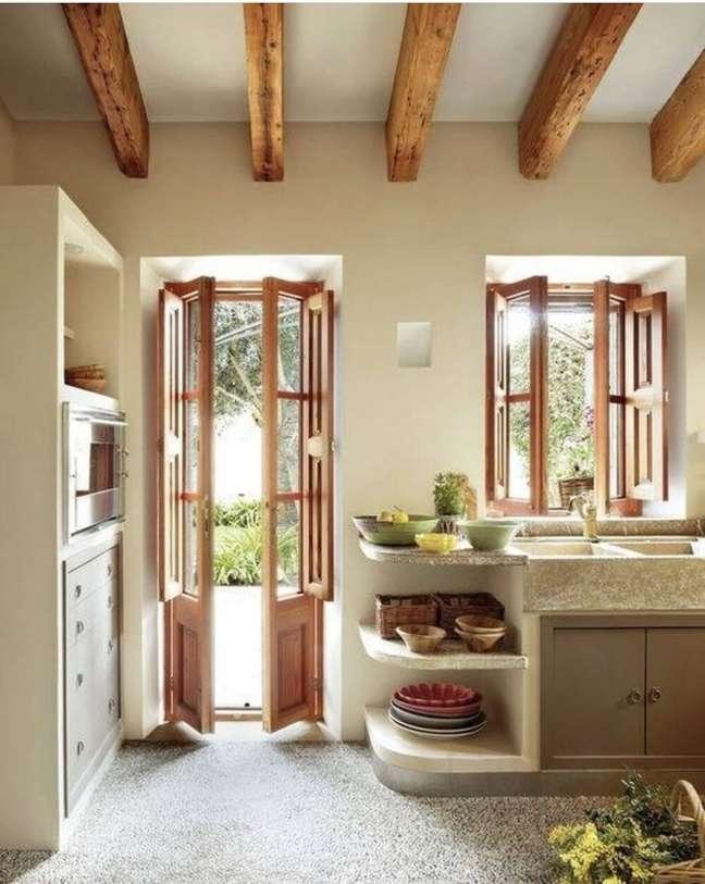2. Abra portas e janelas e deixe o sol entrar. Fonte: Decoração de Casa