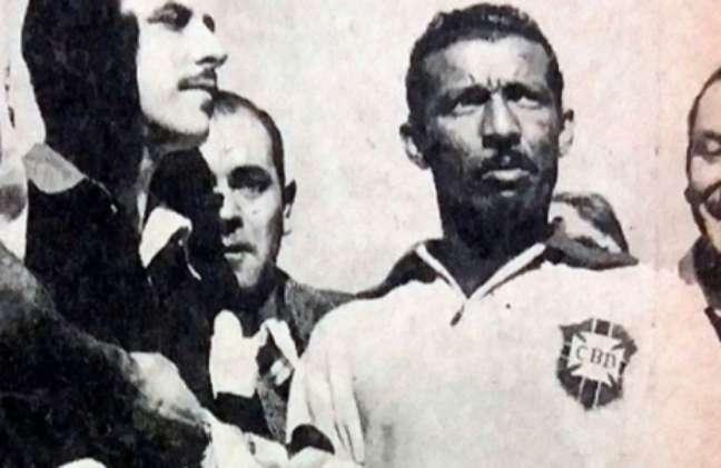 No Brasil, veio a conquista do Sul-Americano de 1949 (Foto: Reprodução/Jornal