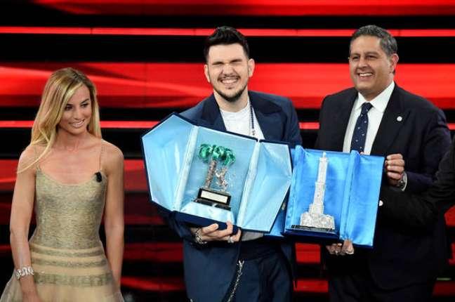 Na última edição, Luca Gaudiano conquistou o Novas Propostas