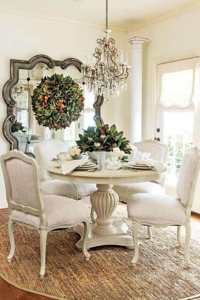 64. Móveis vintage na cor branca para sala de jantar – Foto Southern Living