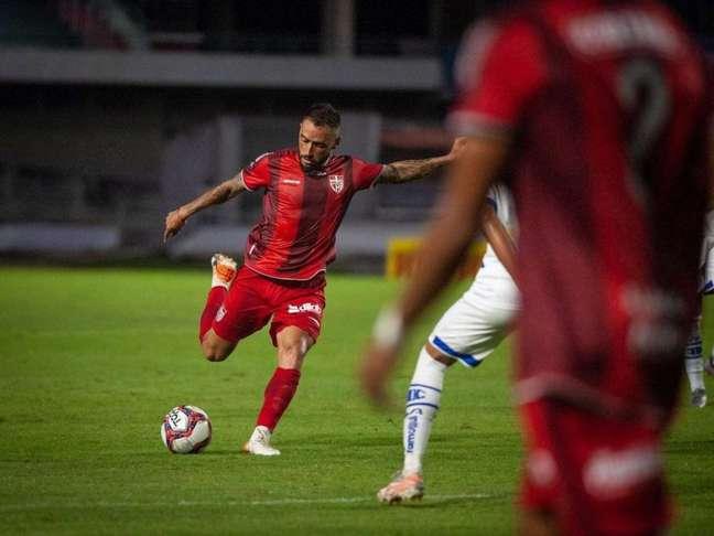 Jean Patrick é um dos destaques do CRB na disputa da Série B do Brasileirão (Foto: Divulgação / CRB)