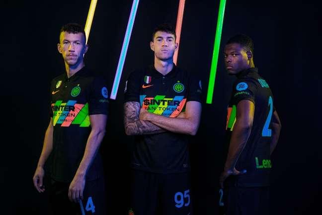 Inter lançou terceiro uniforme nesta terça-feira Divulgação Internazionale