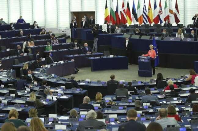 UE vai propor uma proibição que pode atingir negócios com a China