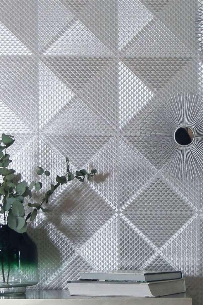 26. Papel de parede cor prata na sala de estar – Foto Wallpapers From the 70s