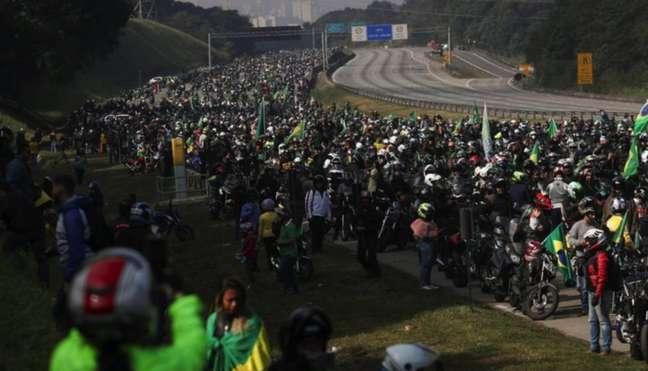 Documento cita aglomerações promovidas por Bolsonaro, como as 'motociatas'