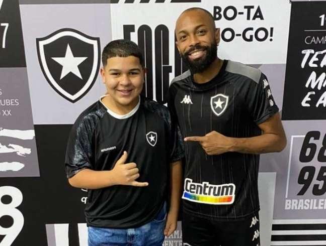 Matheus Andrade, o Gordin do Tiktok, e Chay, do Botafogo (Foto: Reprodução)