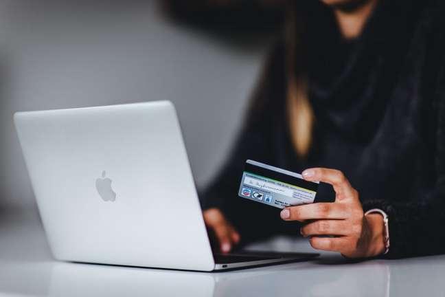 Upselling e cross-selling são estratégias de crescimento de vendas muito utilizadas em lojas virtuais.