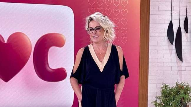 Ana Maria Braga passa por cirurgia de catarata