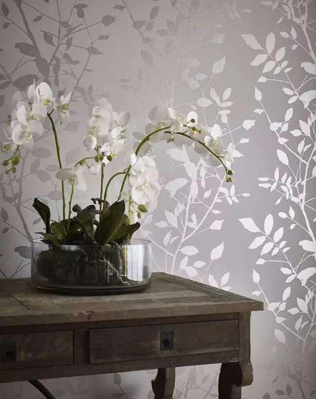 2. Sala com papel de parede cor prata – Foto Cartada Parati de Glianni 70