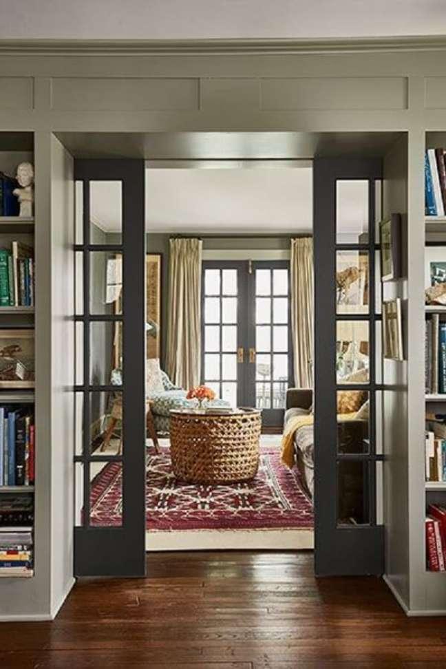 12. A porta de vidro para sala de correr divide ambientes. Fonte: This Old House