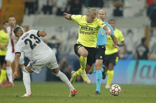 Norueguês Haaland deixou o dele na vitória do Borussia Dortmund sobre o Besiktas na estreia da Liga dos Campeões.
