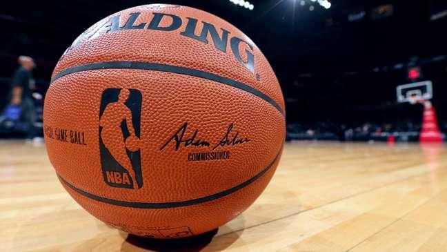 A NBA confirmou que não punirá atletas que não se vacinaram contra a covid-19