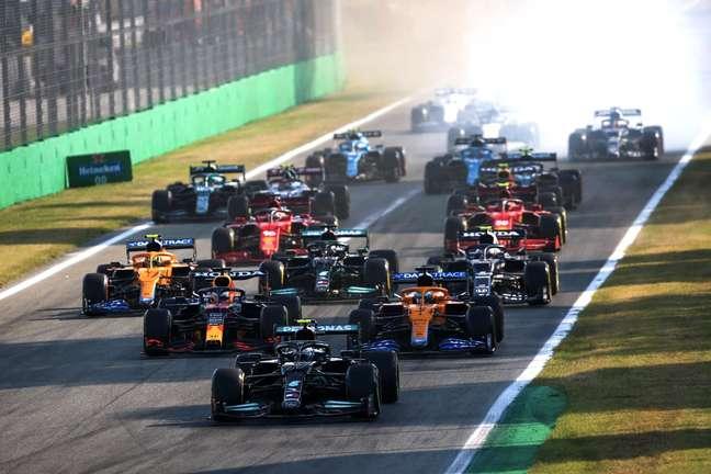 Largada da sprint em Monza.