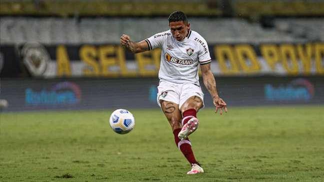 Danilo Barcelos fez o pênalti que resultou no único gol da derrota do Fluminense (Foto: Lucas Merçon/Fluminense FC)