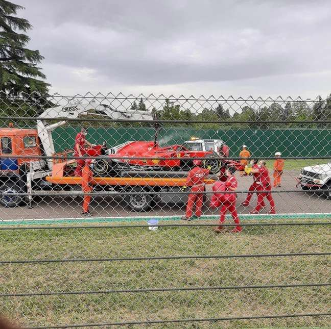 Leclerc teve problemas