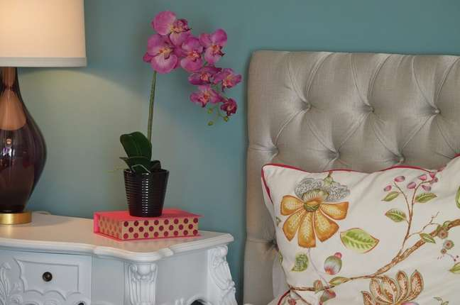4. Nunca use espécies com aromas fortes para compor a decoração de primavera dos quartos. Fonte: Pexels