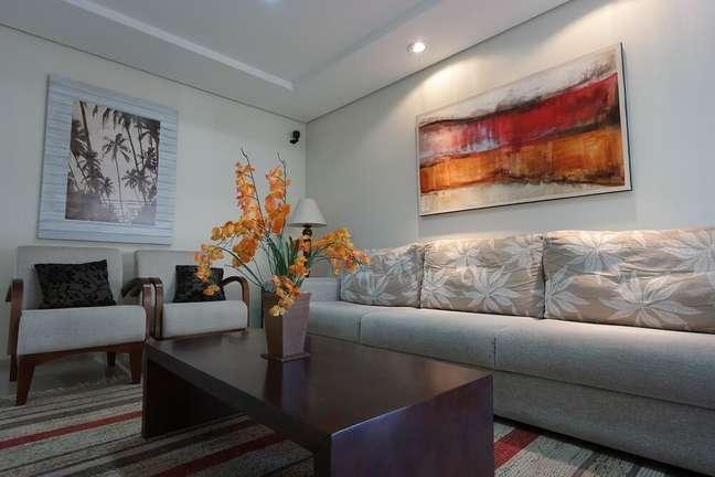 3. Arranjos e vasos são as opções mais indicadas para criar uma decoração de primavera para sala de estar. Fonte: Pexels