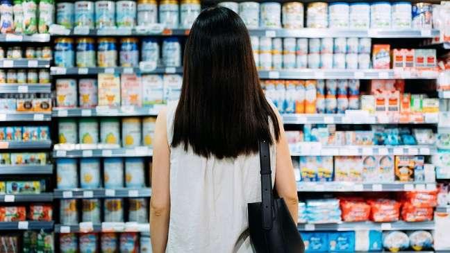 Alta do dólar também influencia preços dos alimentos