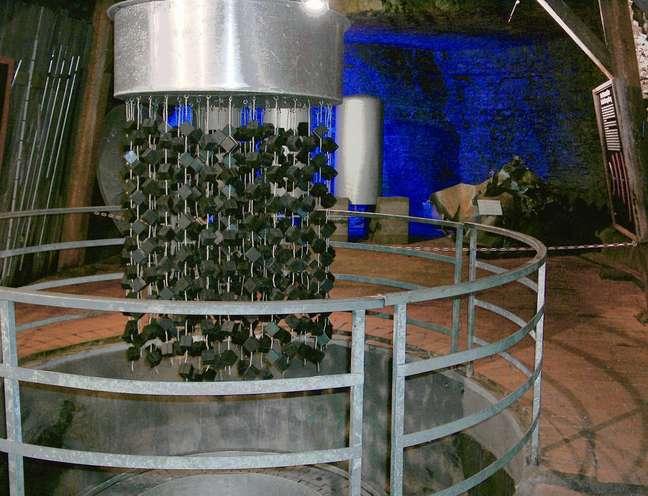 Réplica do reator, com os cubos de Urânio