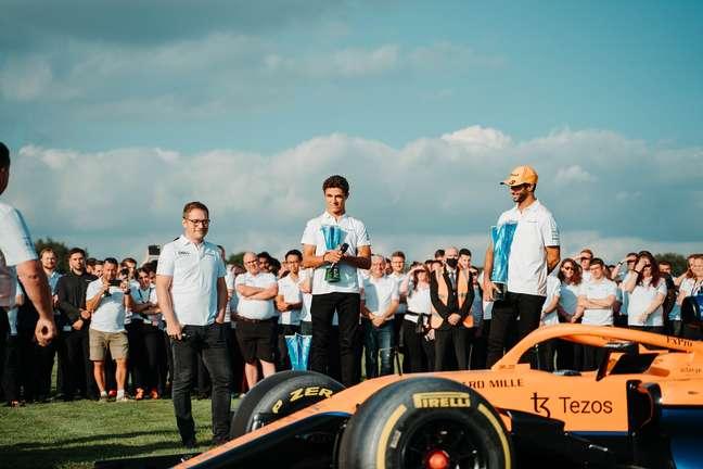 Andreas Seidl, Lando Norris e Daniel Ricciardo após a vitória em Monza