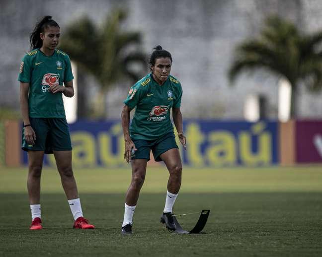 Marta durante treino do Brasil em João Pessoa para amistoso contra a Argentina