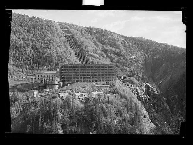Hidroelétrica de Vemork, na 2a Guerra. Ela existe até hoje.